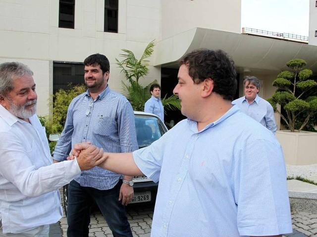 Filho do petista o alugou   Apartamento de luxo em SP liga verba da Oi à família de Lula, diz Lava Jato