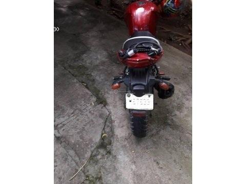 Vendo moto marca raybar et200 en buen estado llamar al 75540976