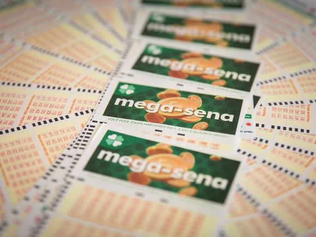Mega-Sena, concurso 2.146: prêmio de R$ 105 milhões está entre os 30 maiores da história; sorteio será no sábado