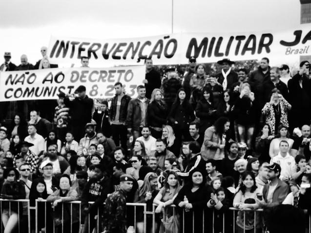 O que diz a Constituição de 1988 sobre a intervenção militar?