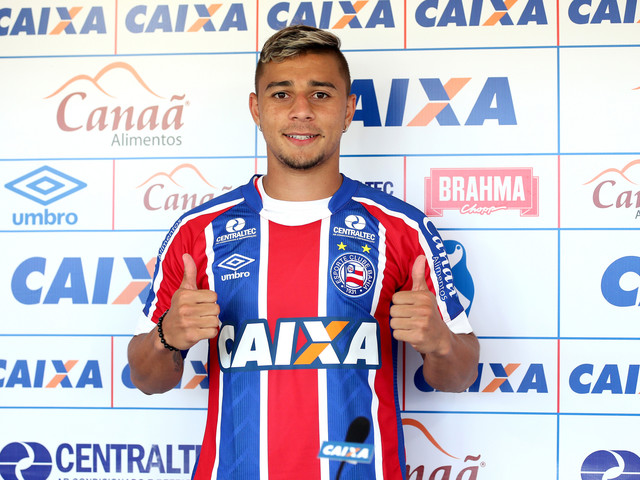 Lateral João Pedro se diz ansioso para estrear pelo Bahia