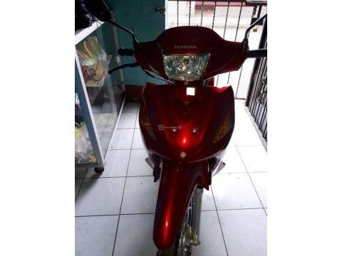 Vendo moto semi automática Honda wave 110