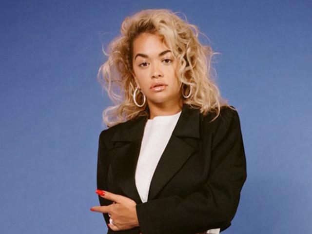 """Tá acontecendo, gente! Rita Ora anuncia seu novo disco, """"Phoenix"""""""