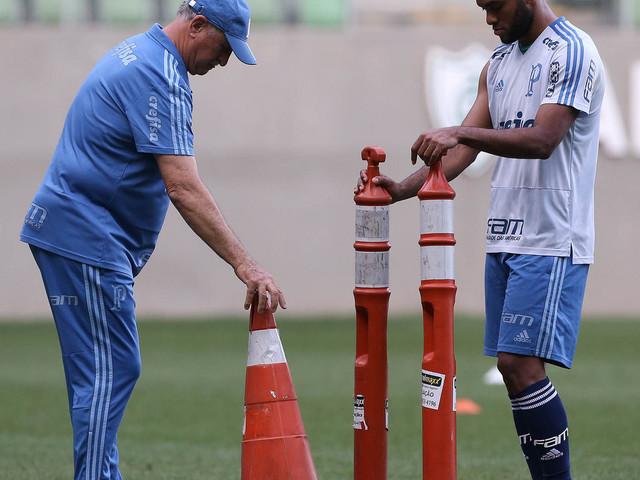 Felipão comanda treino para semi da Copa do Brasil: veja fotos