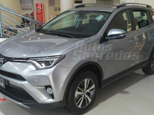 Toyota RAV4 reestilizado já está à venda no Brasil