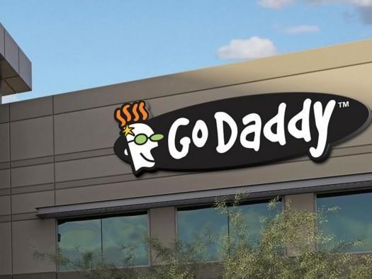 GoDaddy cai em golpe de engenharia social e prejudica cliente e usuários