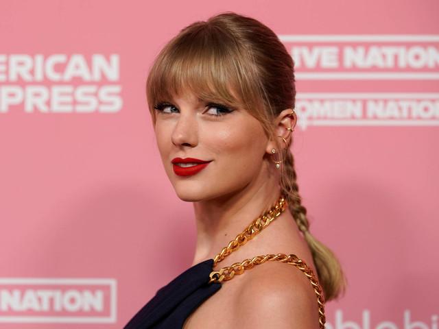 Taylor Swift celebra seus 30 anos com foto fofa