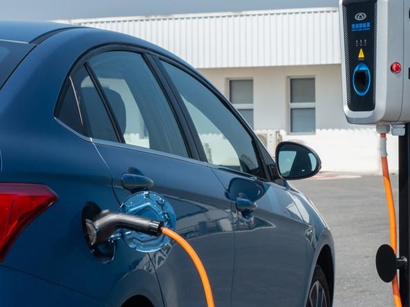 Caoa Chery prepara Arrizo 5 elétrico e um SUV híbrido que miram o Brasil