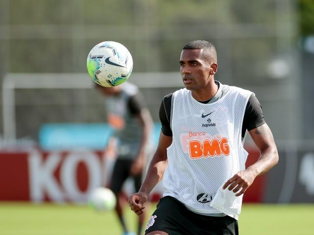 Marllon é mais um a deixar o Corinthians para jogar no Cuiabá