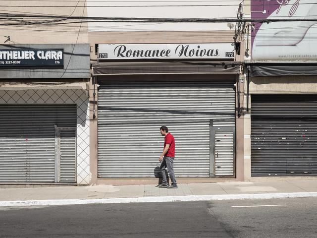Crise faz número de empresas abertas cair 29,5% em abril
