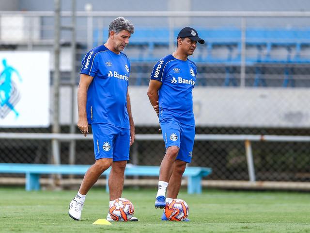 Renato faz teste do time do Grêmio que estreia no Gauchão