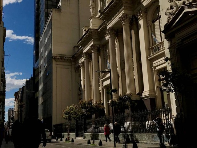 Economia argentina tem maior queda em dez anos