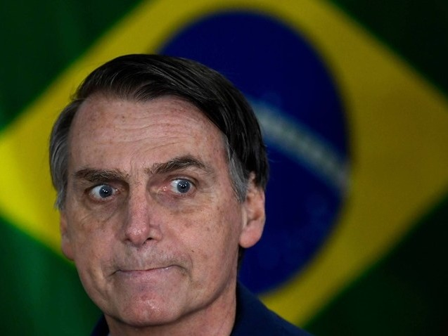Bolsonaro fala em banir adversários