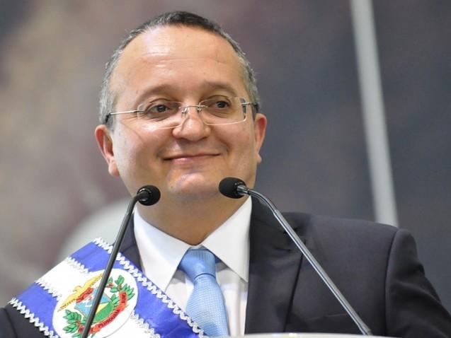 Governador do PSDB é investigado pela PGR por espionar adversários