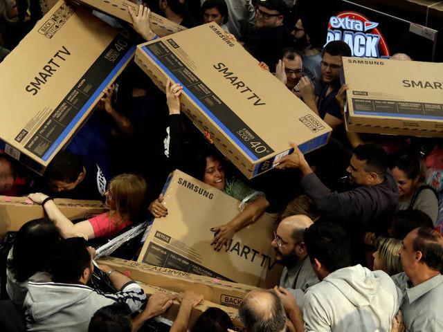 Metade dos produtos na Black Friday tem promoção 'falsa'