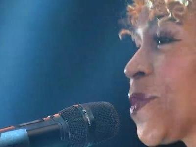 Ex-participante no palco   Karol Conká lança música 'Dilúvio' na final do 'BBB 21'; ouça