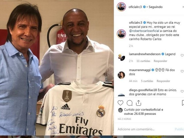 Ex-lateral, Roberto Carlos tieta Rei Roberto Carlos: 'Dia muito especial'