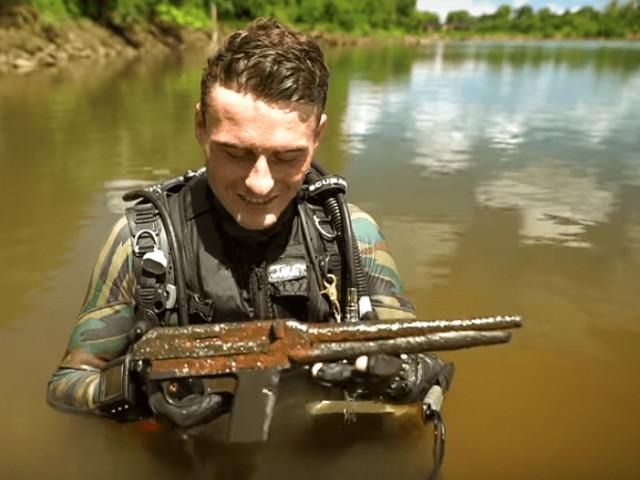 Este mergulhador encontrou 8 armas, 7 iPhones, 6 GoPros e 5 Apple Watches no rio