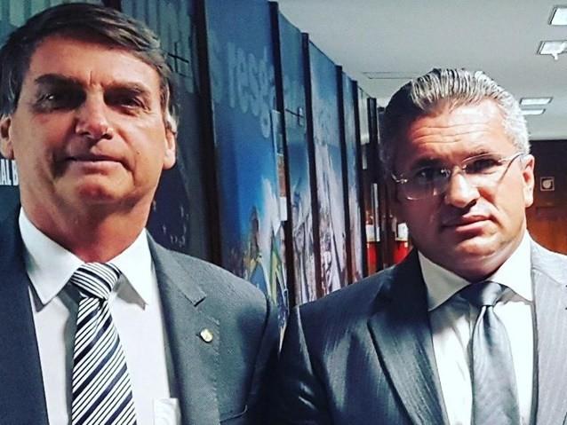 Membro da equipe de Bolsonaro já foi condenado por estelionato