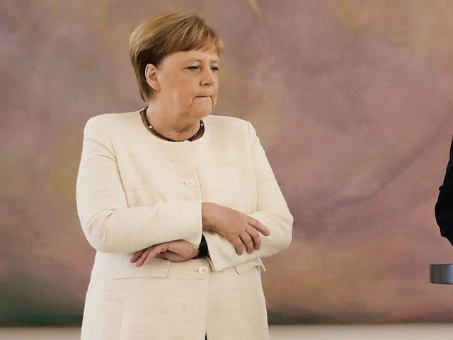 Angela Merkel apela à luta contra antissemitismo no 75º aniversário da libertação de Auschwitz