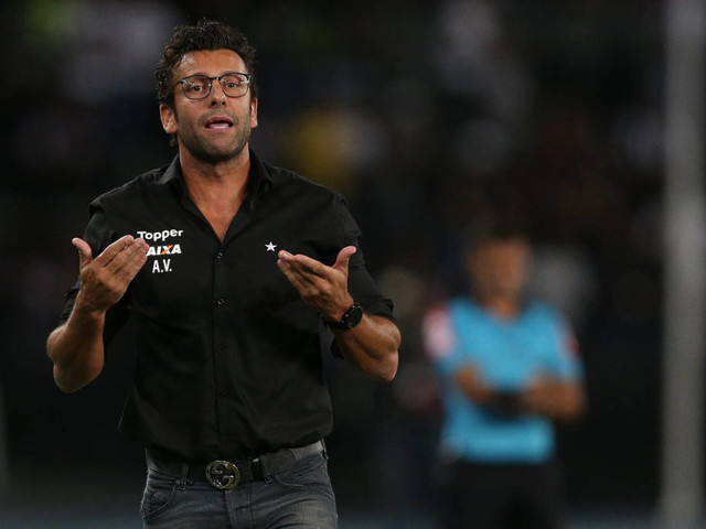 Botafogo confirma saída de Valentim; Zé Ricardo é o principal alvo