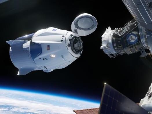 Criticado pela NASA, Elon Musk promete finalizar espaçonave Crew Dragon em breve