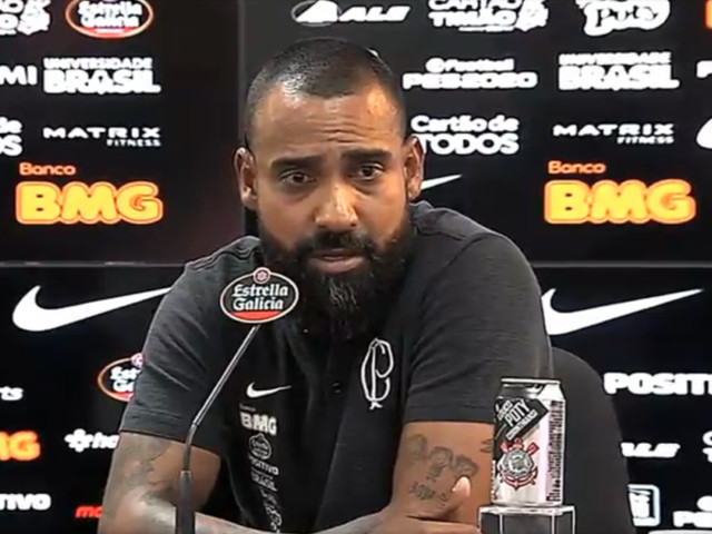 Coelho diz que não está preparando time para Tiago Nunes