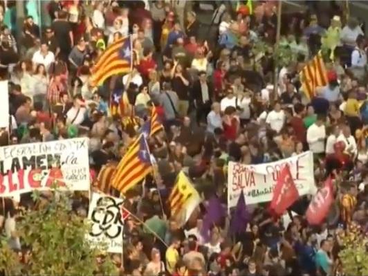 Catalunha protesta contra medidas impostas pela Espanha