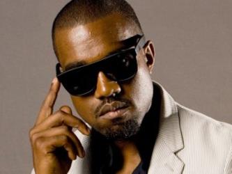 Kanye West é interrompido por invasor no Glastonbury