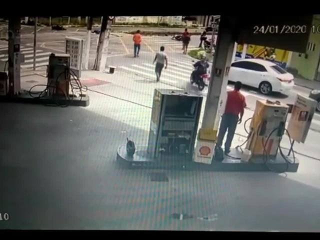 Vídeo mostra acidente entre motos que matou aposentado da Casal em Maceió