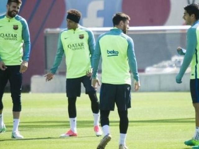 Jogadores do Barcelona pressionam pela volta de Neymar, diz jornal