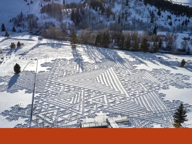 Simon Beck faz obras de arte ao caminhar na neve