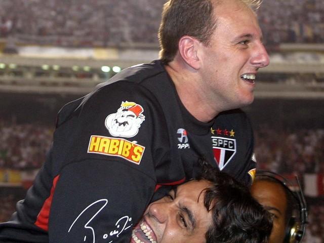 Confira fotos da conquista da Libertadores do São Paulo em 2005