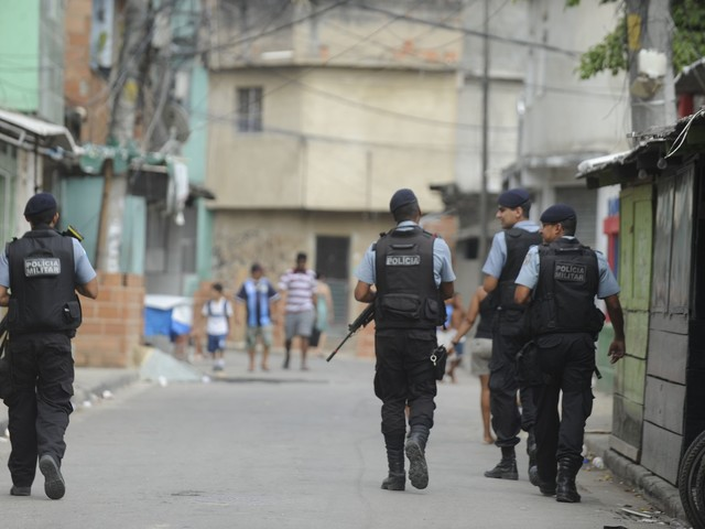 Rio to Remove Half of Police Pacifying Units From Favela Communities