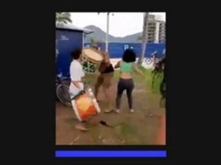 No litoral do Paraná | PM interrompe ensaio de maracatu e toma instrumentos de mulheres