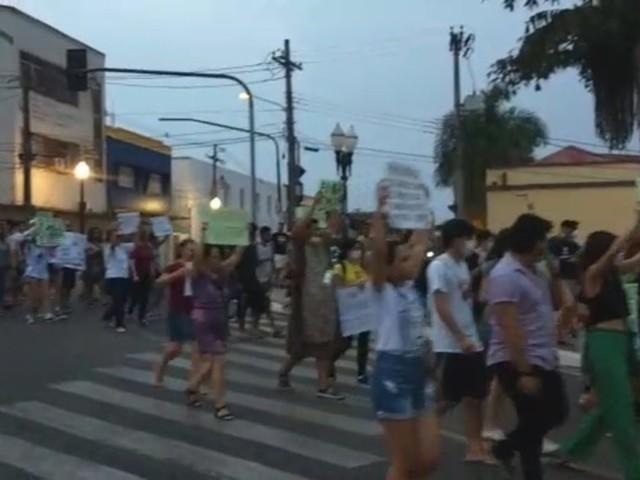 No AC, manifestantes vão às ruas para protestar contra queimadas na Amazônia