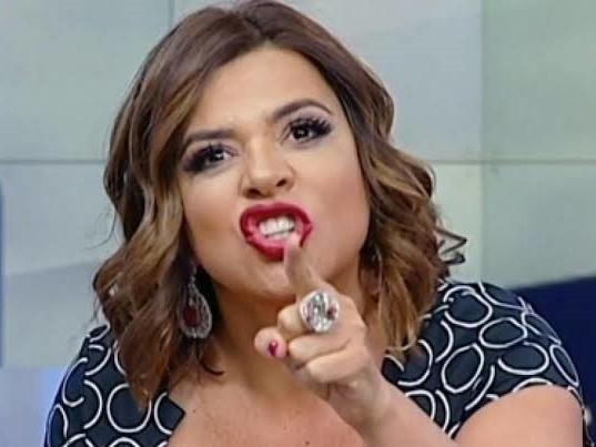 Passada! Após paquerar namorado de famosa, Mara Maravilha comenta crise e expõe noivo