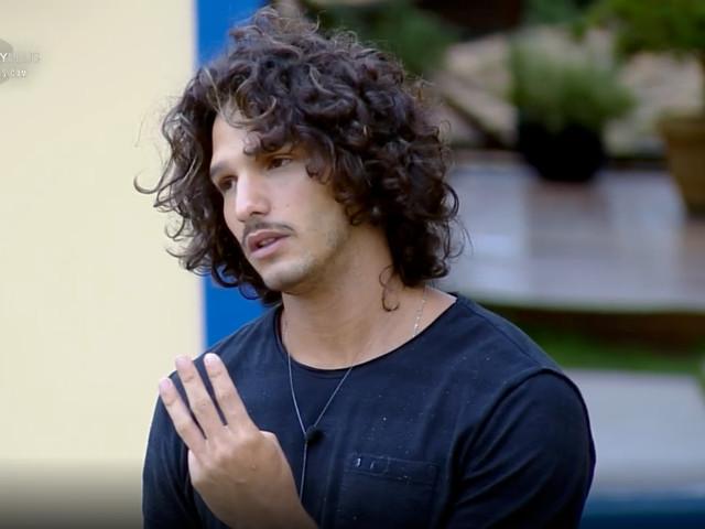 """João Zoli se compara com Caique: """" É a parada mais inacreditável, difícil e maneira que já vivi"""""""