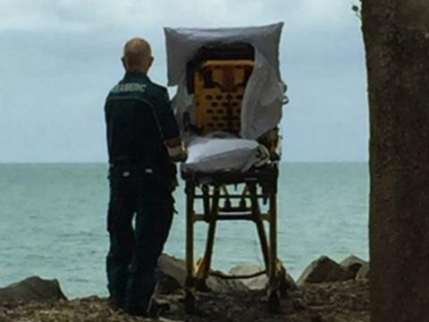 Paramédicos desviam rota e levam paciente terminal para ver o mar pela última vez