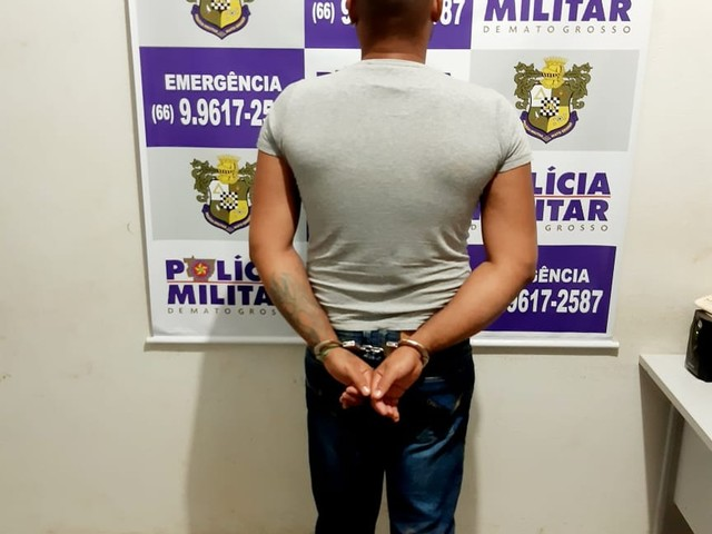 Ex é preso após perseguir mulher e o namorado dela em lanchonete e ameaçá-los com faca em MT