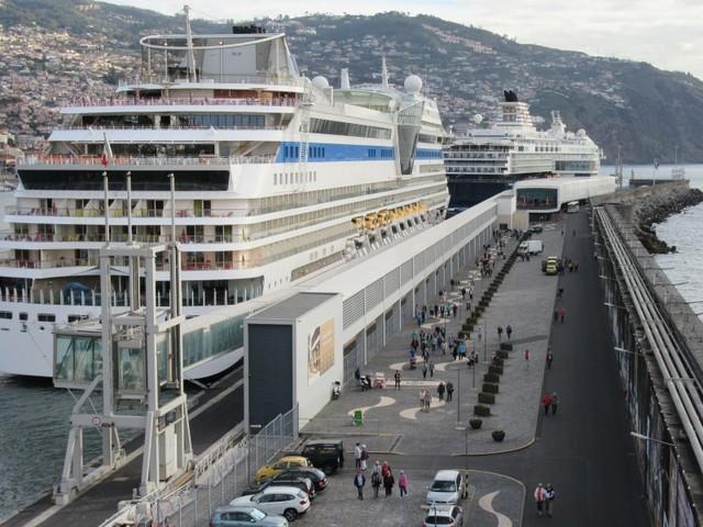 Greve dos portos abrangida por serviços mínimos para a Madeira e Açores