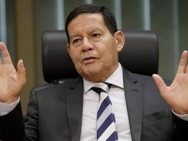 Mourão 'acha' que Bolsonaro demitirá ministro do Turismo se denúncia for comprovada