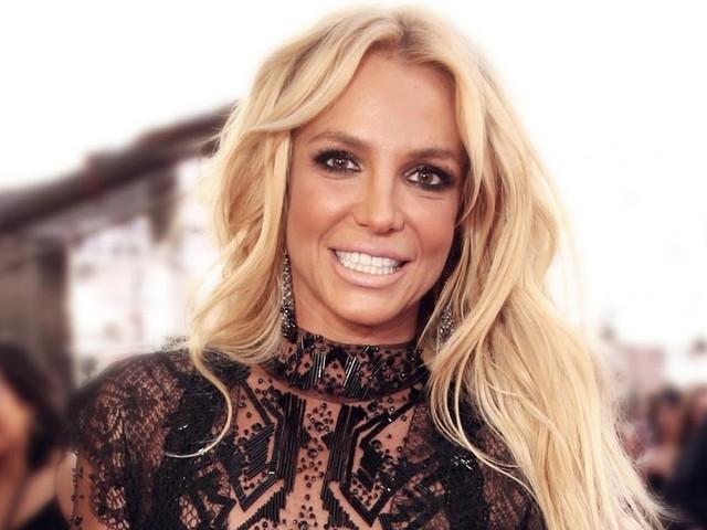 """Após protestos, Britney Spears tranquiliza fãs: """"não acreditem em tudo o que leem"""""""