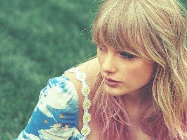 """Podem ficar calmos, porque o novo single da Taylor Swift, """"You Need To Calm Down"""", é bem melhor do que """"ME!"""""""
