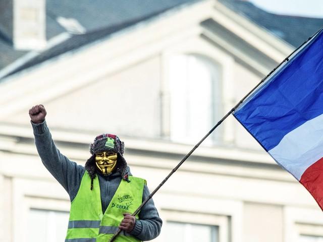 Aposentadoria   Sob protestos, França cede e desiste de ampliar idade mínima