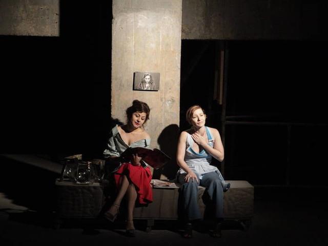 Companhia faz espetáculo nas ruas do centro de São Paulo inspirada em clássico de Virginia Woolf