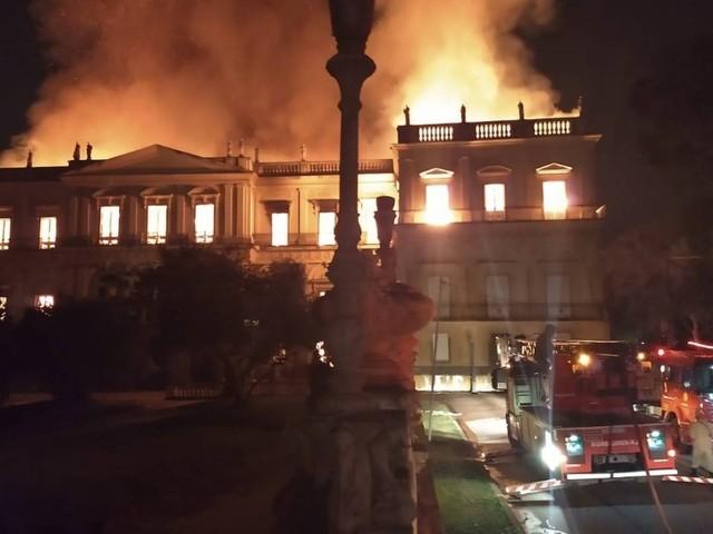 Incêndio destrói o Museu Nacional na Quinta da Boa Vista, em São Cristóvão