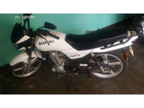 Moto Suzuki ax4 115