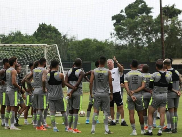Dívida deixa Vasco sob risco de debandada de jogadores