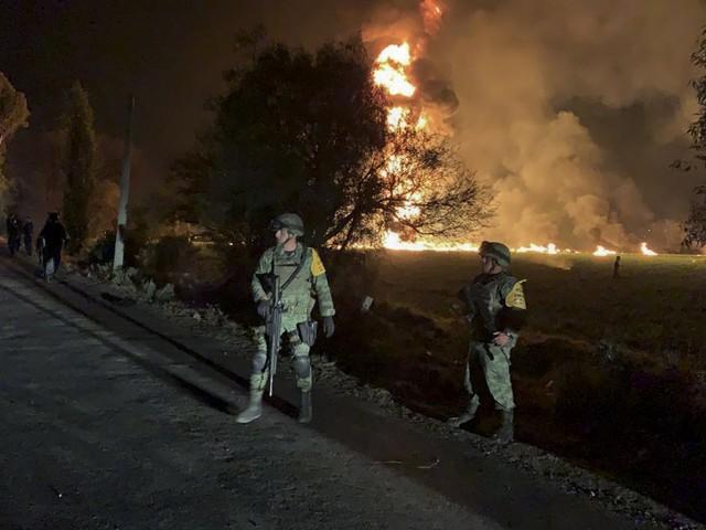 Explosão de oleoduto no México deixa dezenas de mortos e feridos